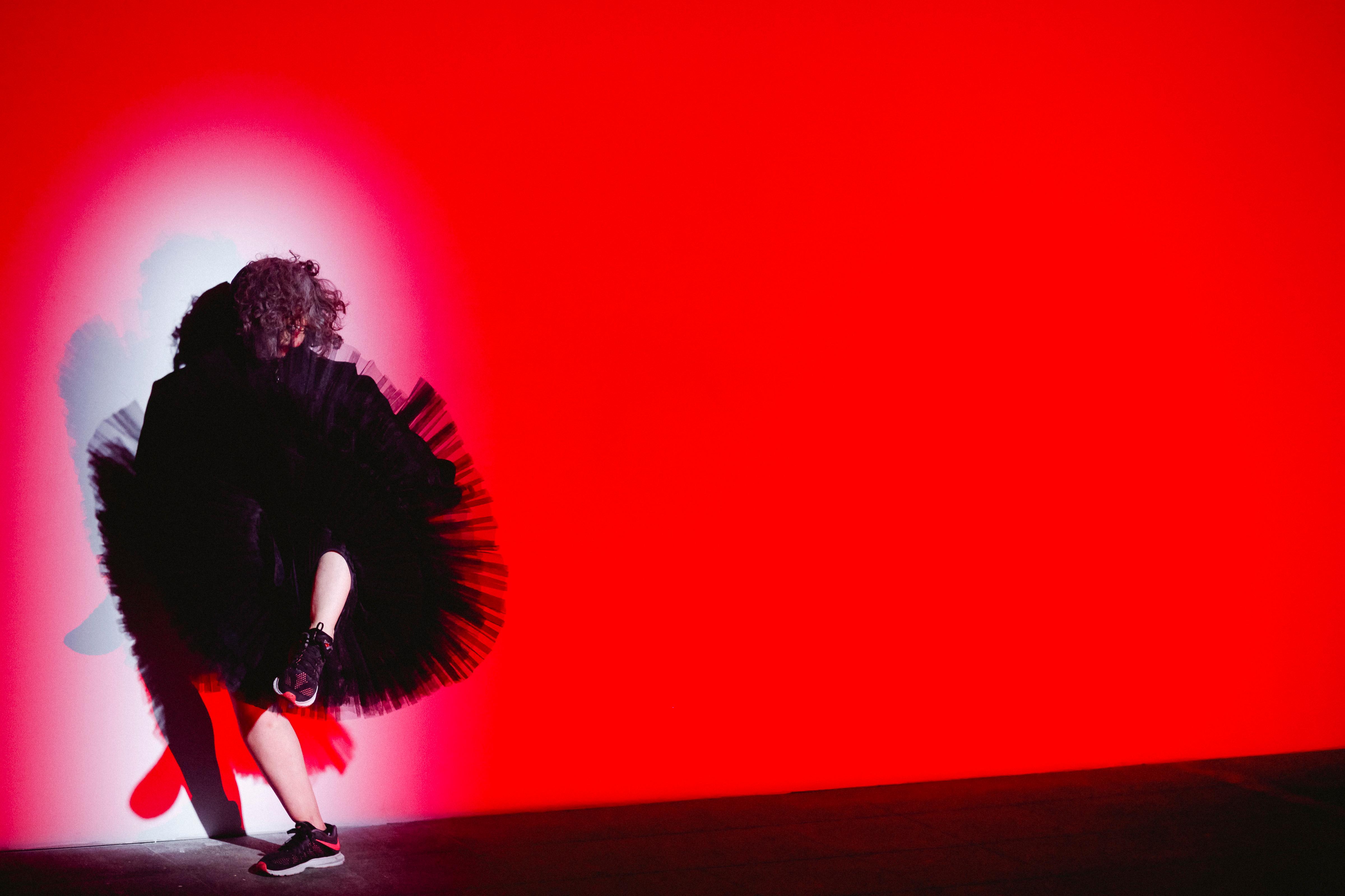 El nacimiento de la bailarina vieja