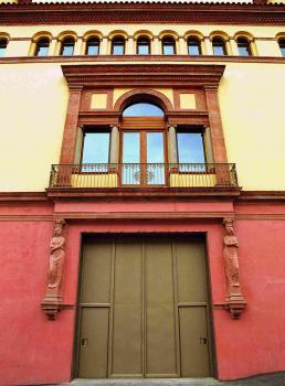 Sala Fabià Puigserver - porta de càrrega