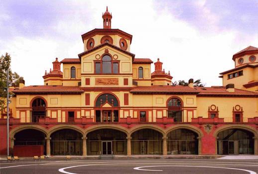 Teatre Lliure Montjuïc - accés Pl. Margarida Xirgu